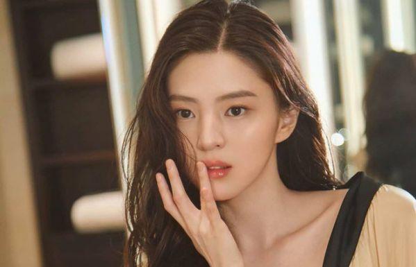 "Han So Hee đóng với Park Seo Joon trong ""Gyeongseong Creature""?2"