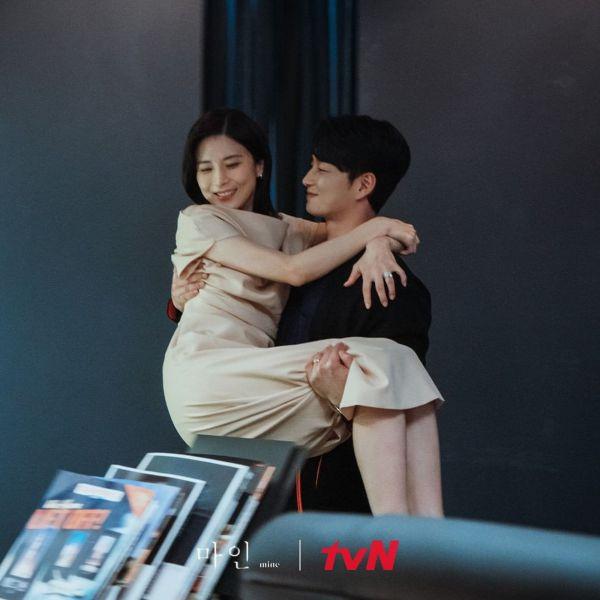 Tổng hợp những bộ phim Hàn hay nhất của đài tvN năm 2021 10