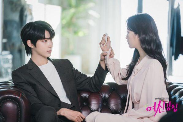 Top 6 phim Hàn sở hữu tam giác tình yêu tay ba cực hấp dẫn 9
