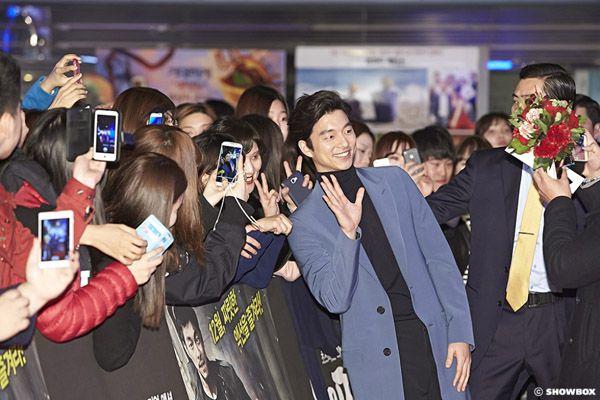 nhung-sao-han-chieu-long-fans-cua-minh-qua-u-la-dang-yeu